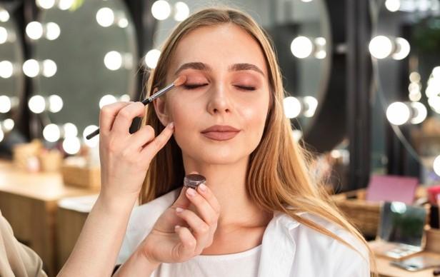 Tips Memilih Jenis Make Up Untuk Pemula